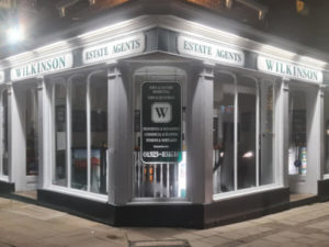 Estate agents lighting Leighton Buzzard