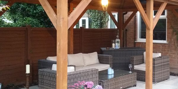 Outdoor light and heating installation